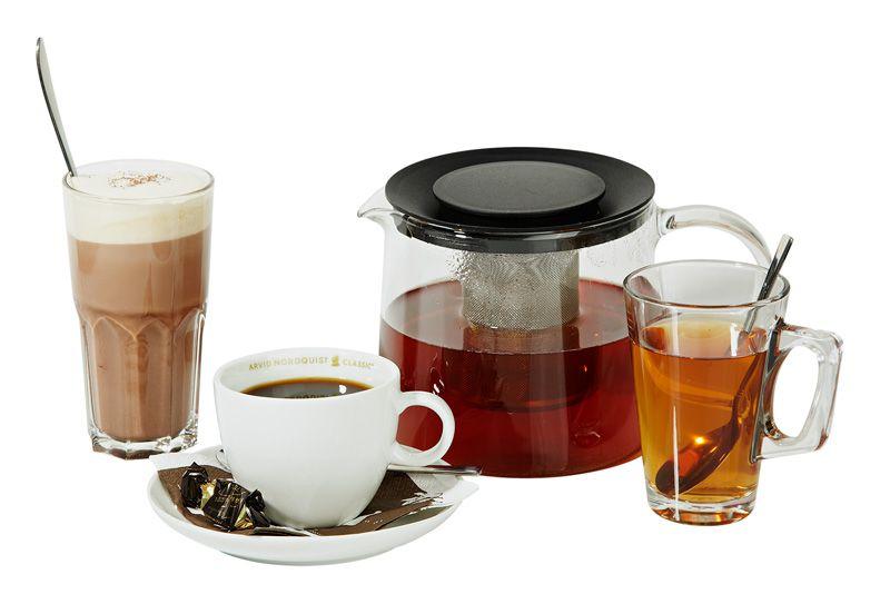 Maxinen kuumat juomat, 3 €. Kylmenevien päivien lämmikkeeksi Maxinesta kuppi kuumaa teetä, kaakaota tai kahvia höystettynä huikeilla maisemilla. Ravintola Maxine, 6. KRS.