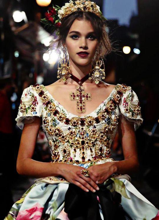 Dolce & Gabbana Alta Moda Fall Winter 2016