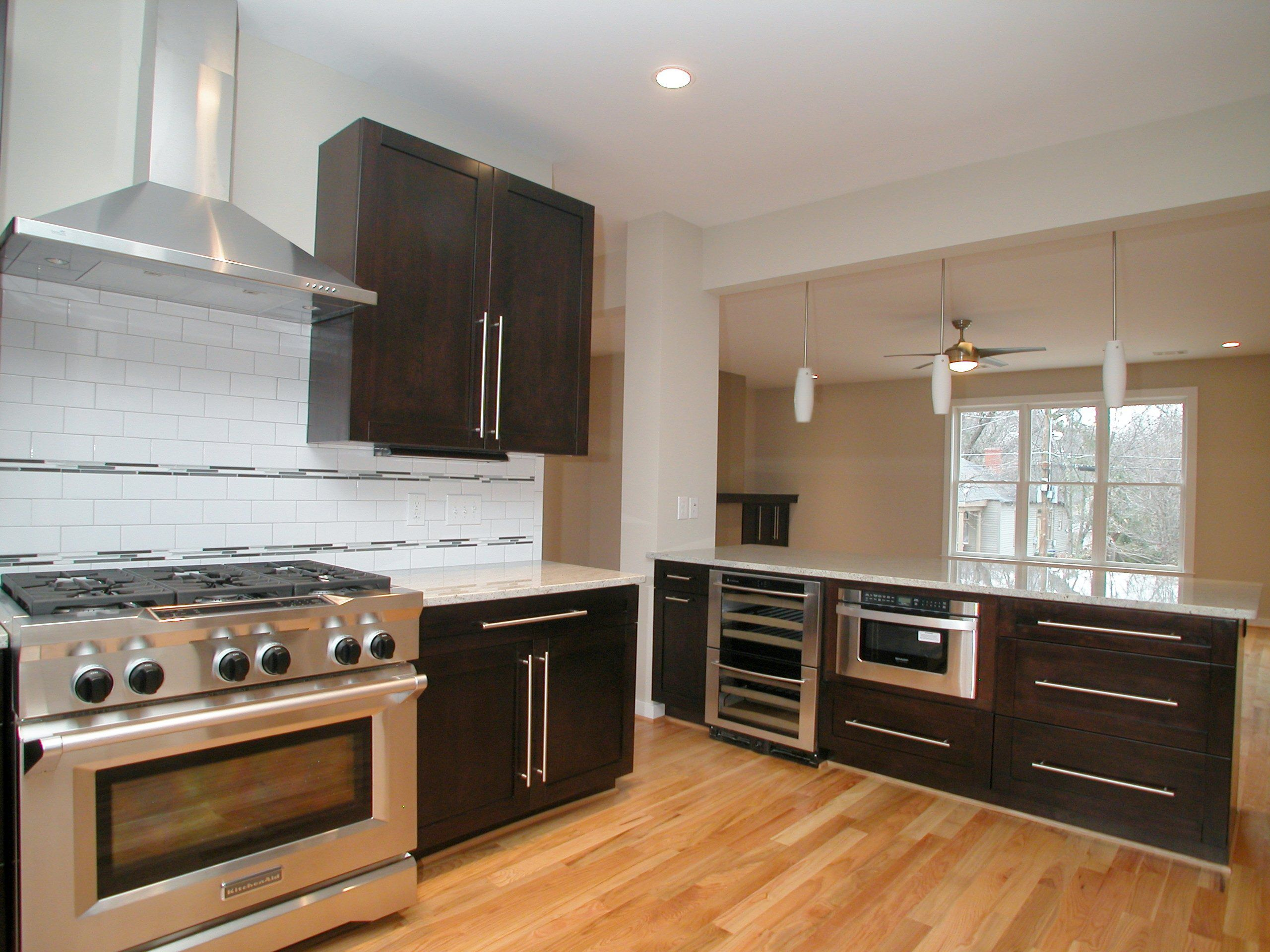 Kraftmaid Kitchen And Bathroom Cabinetry It Becomes You Kraftmaid Kitchens Kitchen Design Plans Kitchen Design Small