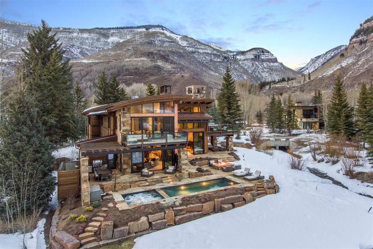 Modern Masterpiece On Gore Creek Vail Colorado Estados Unidos Casa De Lujo En Venta Mountain Home Exterior Dream House Exterior Colorado Homes