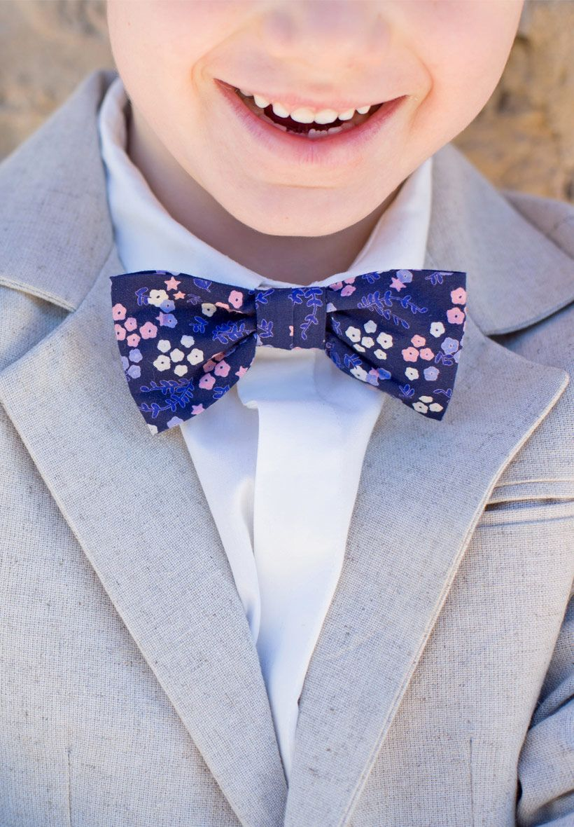 8410479652515 Noeud papillon en imprimé fleuri bleu marine pour enfant à l'occasion de  mariage ou cérémonie