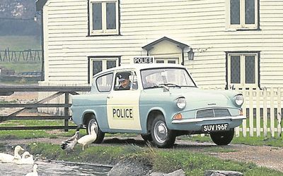 Ford Police Old Jpg 400 250 Pixels British Ford Anglia