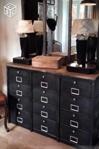 meuble industriel clapets meuble chaussures ldt. Black Bedroom Furniture Sets. Home Design Ideas