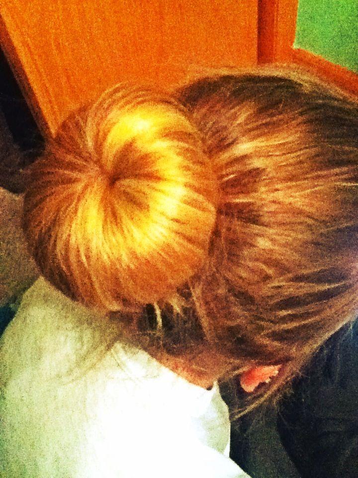 Perfect for ombré hair! Doughnut bun with ombré hair, looks intentional for bun blonde, and hair brown. WANT.