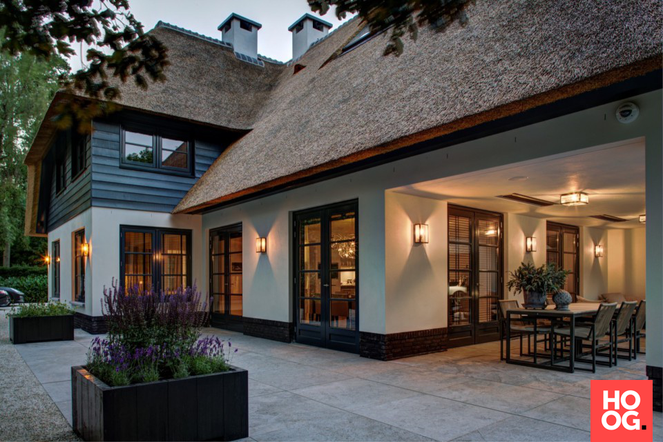Mooie verlichting aan buitenmuur | Tuin | Pinterest | Mansion and House