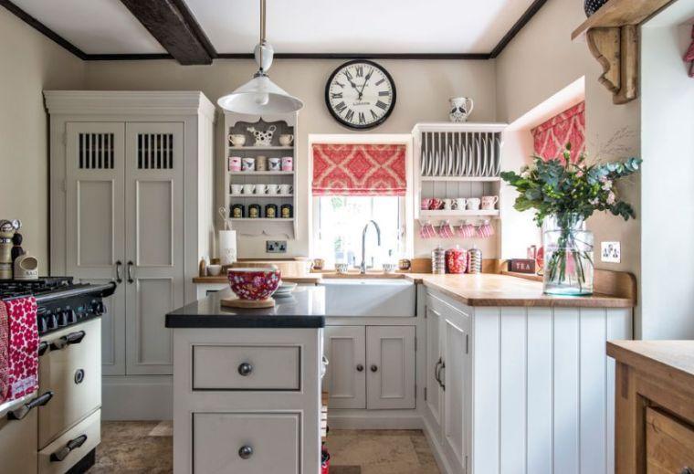Decoration De Style Anglais Et Cuisine Rustique Vintage Anglaise Cuisine Cottage Idee Deco Cuisine Amenagement Cuisine