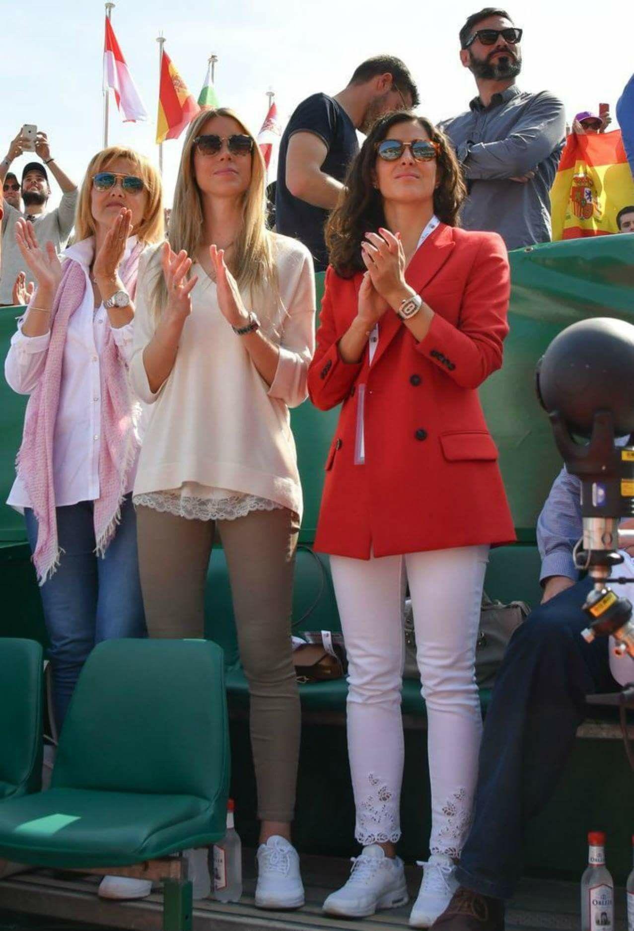 Rafa's mother, sister and girlfriend   Fotos de famosos ...
