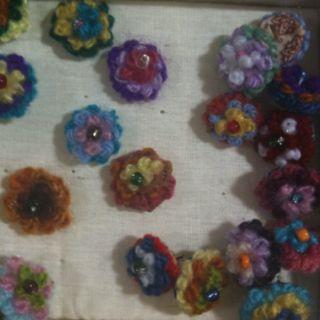 Crochet thumbtacks