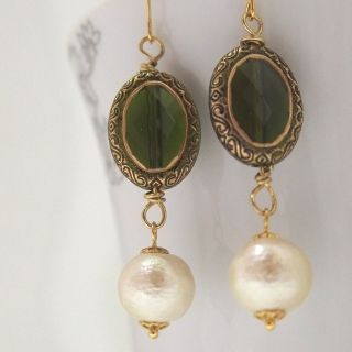 MiyabiGrace:A Memory of German Castles: Cotton Pearl Earrings $30. Nostalgic and Classy earrings! Ideal for day and evening wear. コットンパールピアス