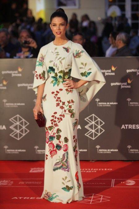 Dignos Españolas De Entre Las Posados Roja Festival En Looks Actrices Tras Salvamos Alfombra Sólo 5 Una Semana Málaga El 1qwEy7Ux