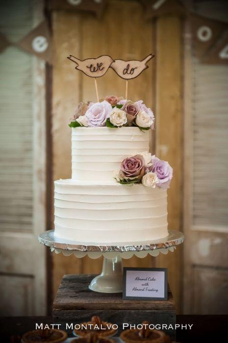 Pecan Springs Ranch Wedding Photography Laura Kelley Austin Tx Ranch Wedding Buttercream Wedding Cake Austin Wedding