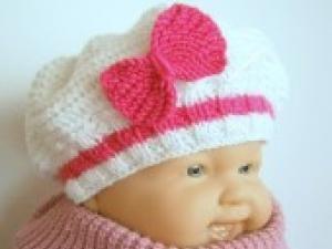 ALM  Bonnet bébé tricoté façon béret blanc et fuchsia 3 mois •  Hellocoton.fr 06929338663