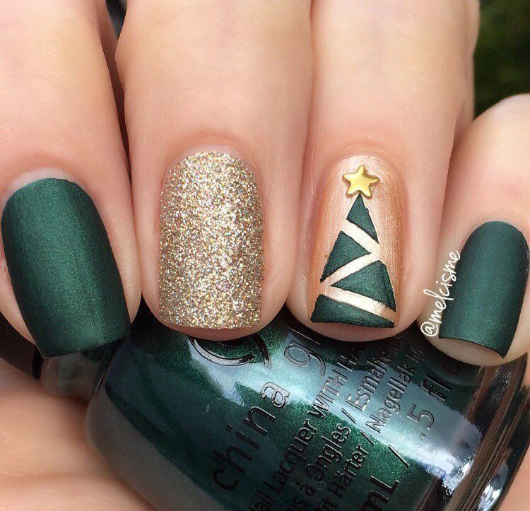 These Holiday Nails Sparkle Almost As Much As A Christmas Tree Am I Right Via Melcisme Instagram Nailart Vacation Nails Green Nails Tree Nails