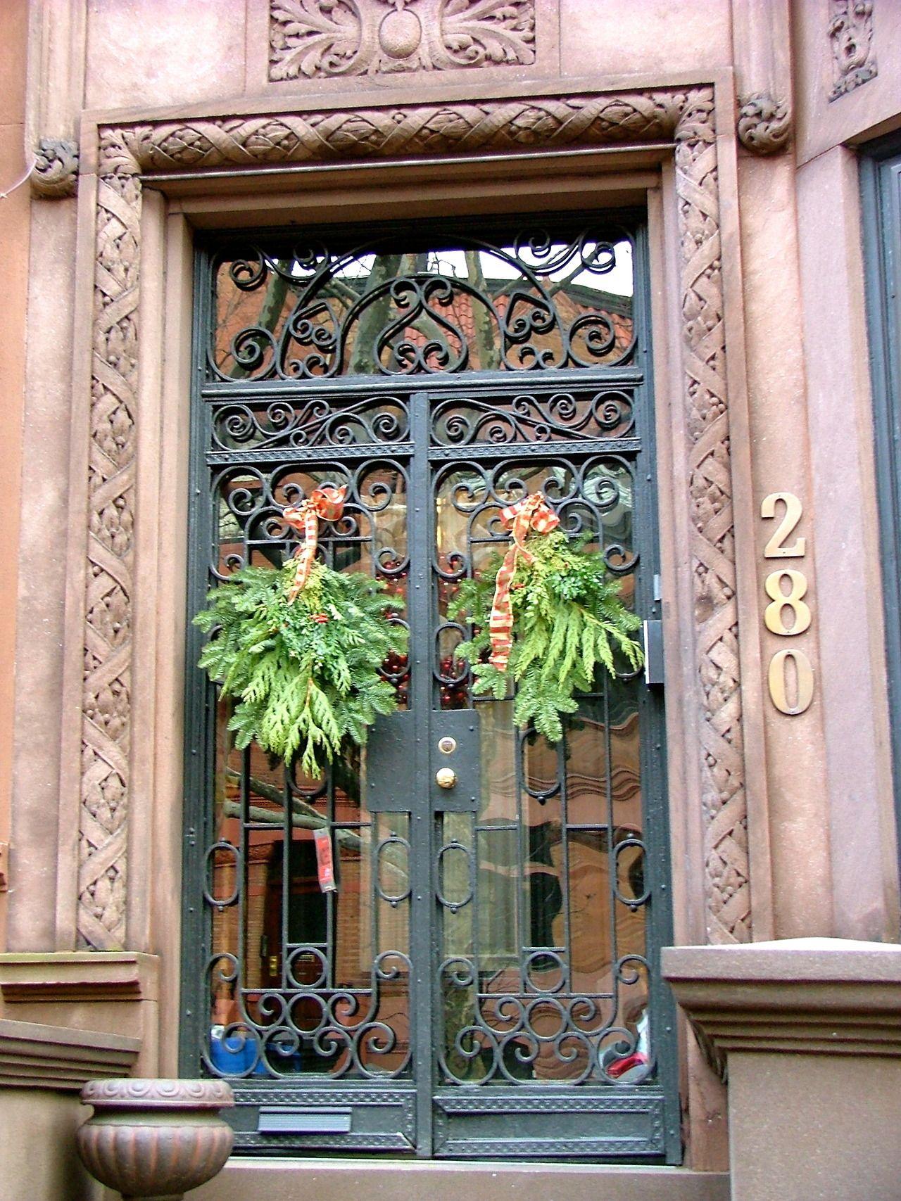 Brooklyn Door. //purpledoorblog.tumblr.com/ & Brooklyn Door. http://purpledoorblog.tumblr.com/   Beautiful Doors ... pezcame.com