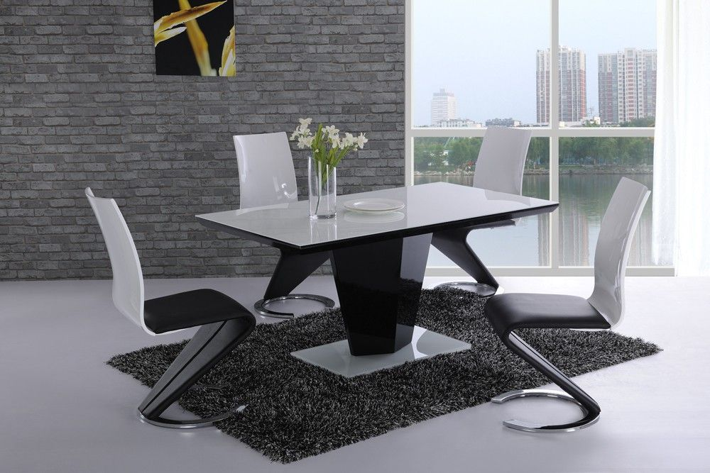 Monton Modern Extendable Dining Table In White High Gloss With 6 Vesta Chairs Grey Faux Leather Finish Features Mont