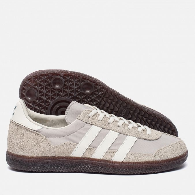 adidas Originals Wensley Spezial. Colour: Clear Granite/Off  White/Collegiate Navy.