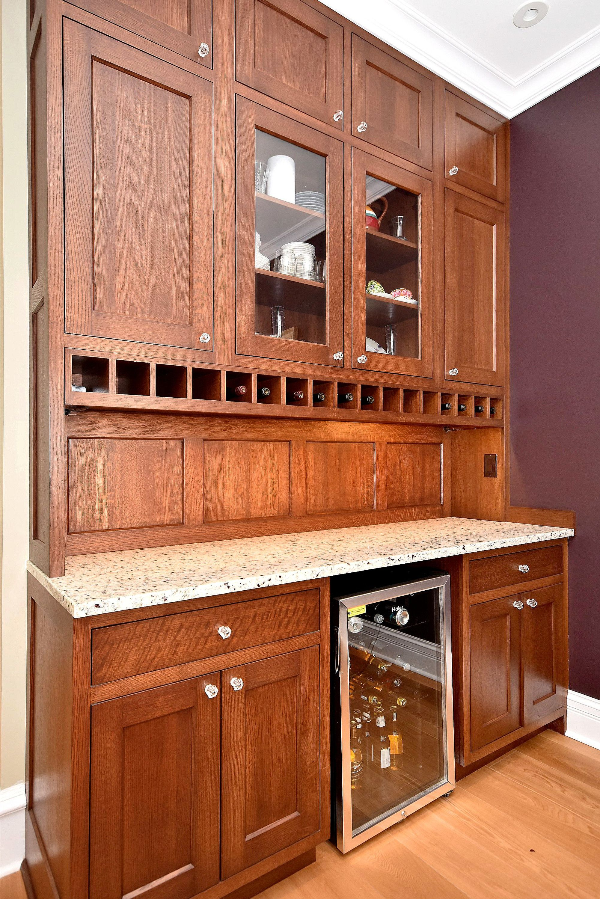 Quarter Sawn Oak Archives Amish Custom Kitchens In 2020 Custom Kitchens Amish Kitchen Cabinets Oak Kitchen Cabinets