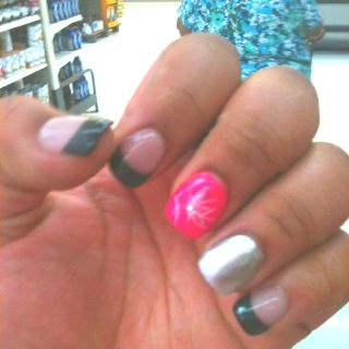 Nail design I stole from someone else on pintress lol!.. My favorite design I've eve gotten!!. ((: