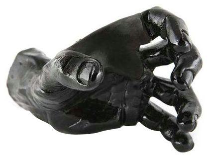 Guitar Grip Black Metallic Male Hand left #Thomann
