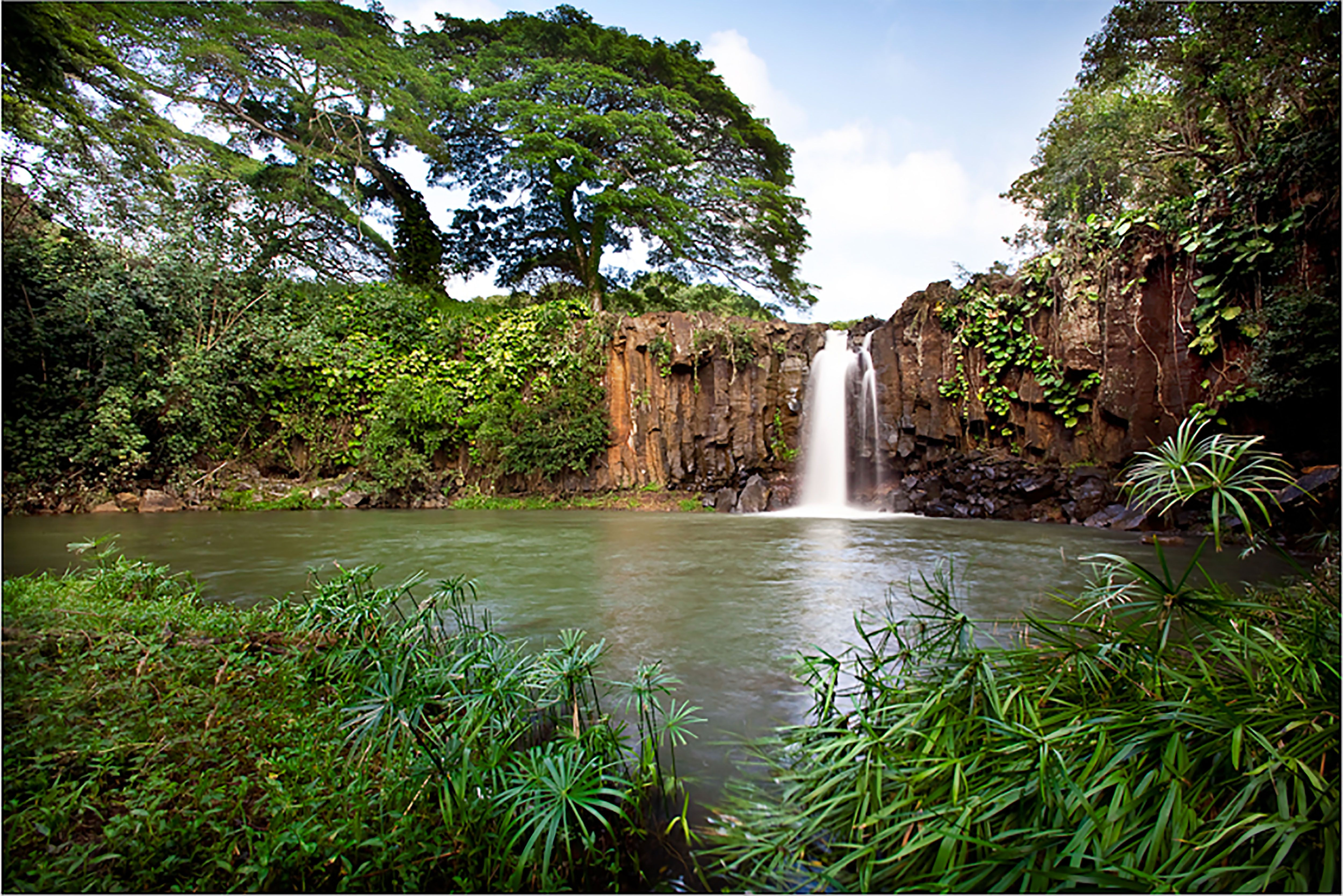House 2 Landmark Waterfalls Situated