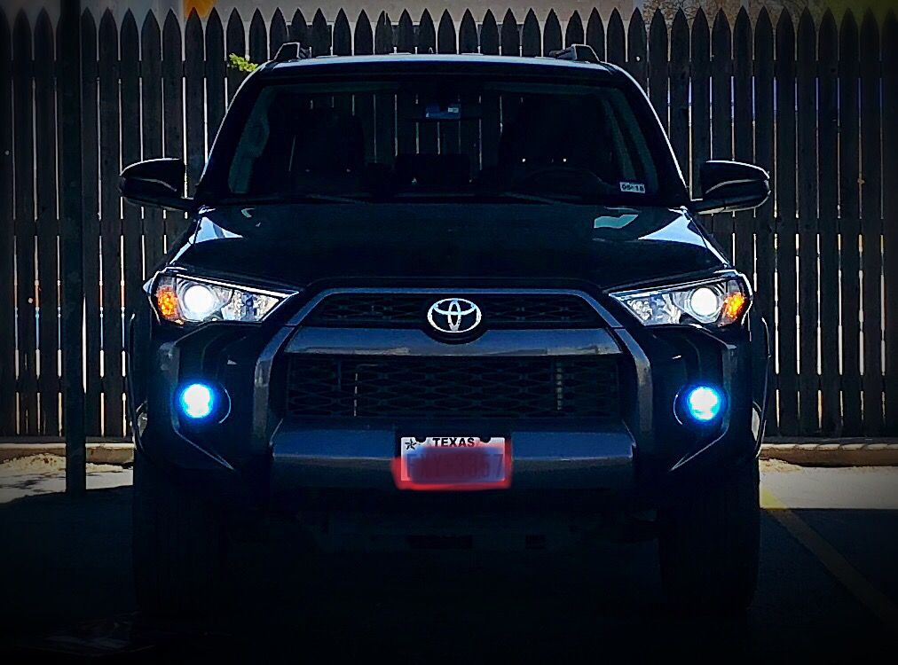 2015 Toyota 4runner With Upgraded Low Beam White Led Bulbs And Ice