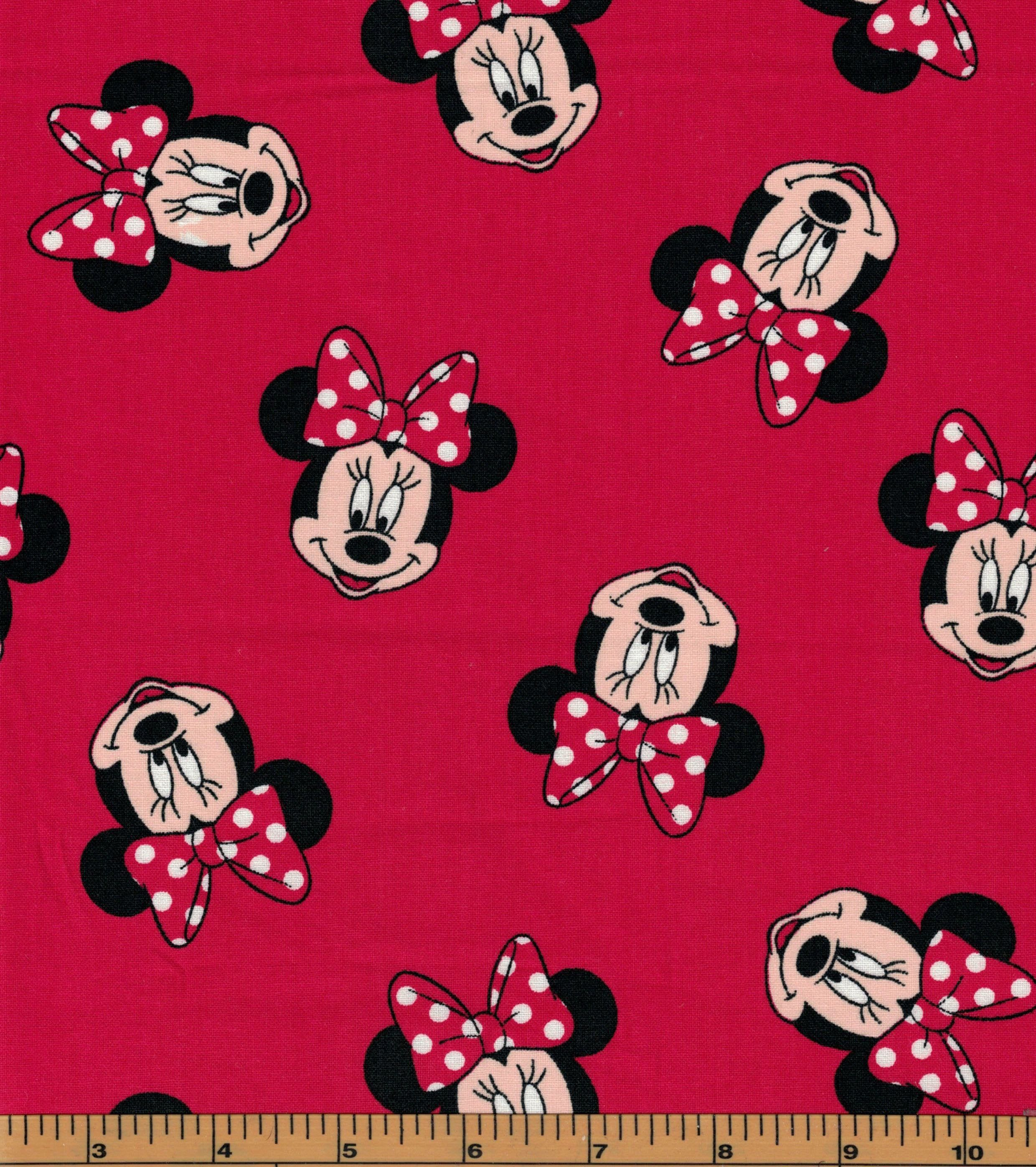 1//2 YARD MICKEY MOUSE /& FRIENDS EXPLORING 100/% COTTON  BRAND  NEW  VERY CUTE!!