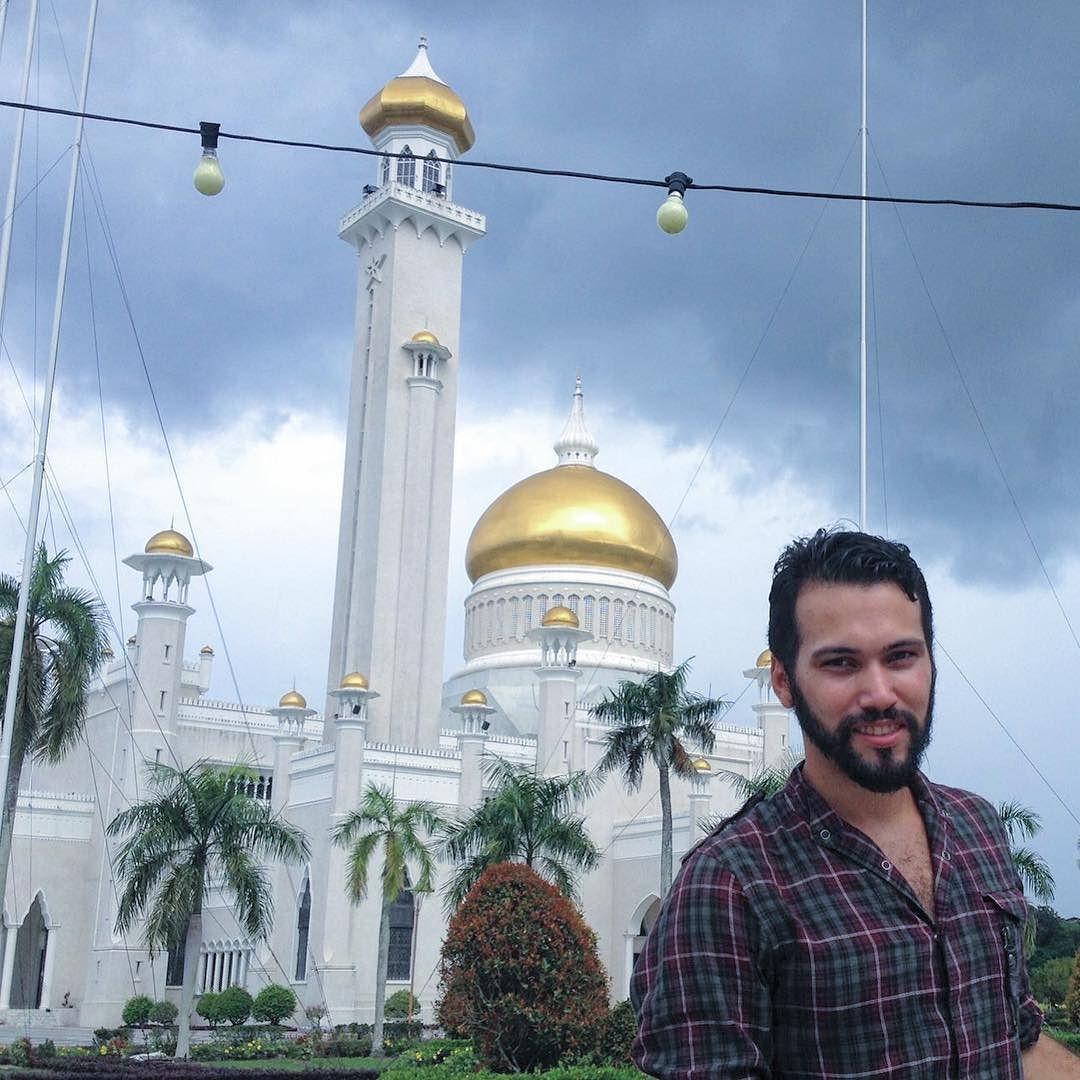 TBT - Mezquita de Bandar  Brunéi Darussalam el país de sol y tormentas  2014. by regis.br