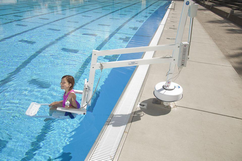 Splash Pool Lift Hoist In Pool Pools In 2019 Pinterest
