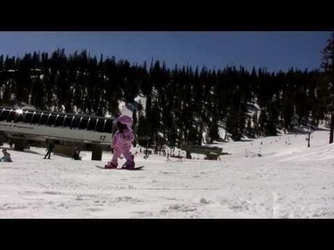 Amazing 2 Year Old Snowboarder Makes Me Think I Was Too Overprotective Videos Snowboard Girl 1 Year Old Baby 1 Year Olds