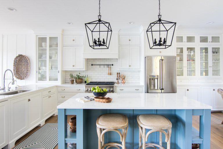 Lake House White Kitchen Home Kitchens New Kitchen Cabinets