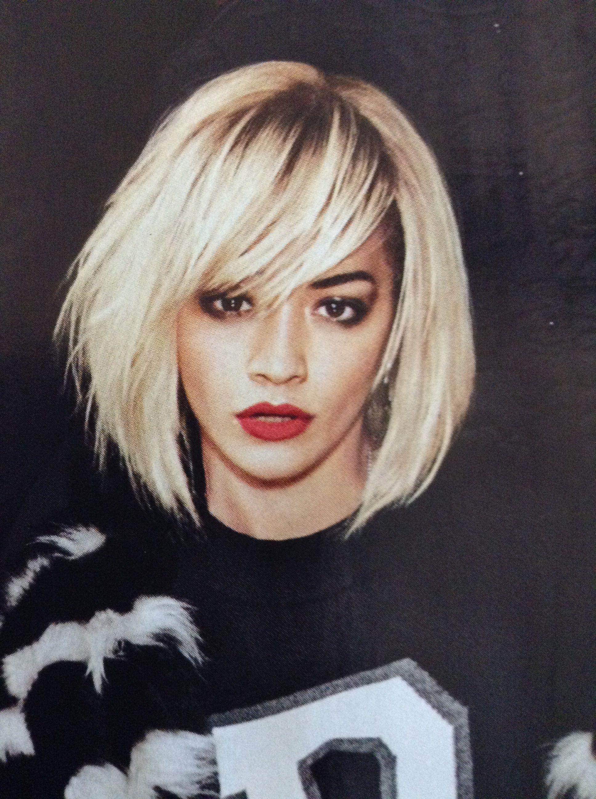 Rita Ora Hair And Makeup Perfection Dark Roots Blonde Hair Hair Styles Short Hair Styles
