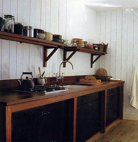 Scandinavian kitchen - rustic and simple. Love!