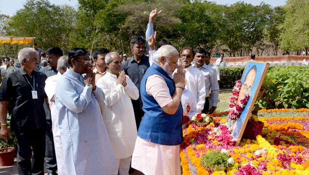 Shri Narendra Modi pays tribute to Dr. Babasaheb Ambedkar on his birth anniversary