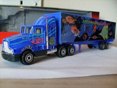 PIONEER KENWORTH T600 CHIPLINER AQUARIUM EQUIPMENT 1/64 (ambassador84 OVER 6 MILLION VIEWS. :-)) Tags: pioneer diecast kenwortht600