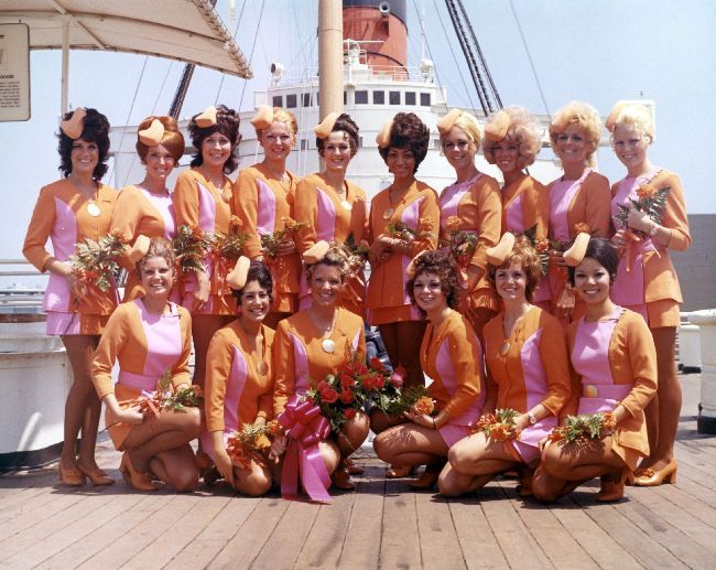 Lovely Pacific Southwest Airlines Flight Attendants from the 1960s and 1970s
