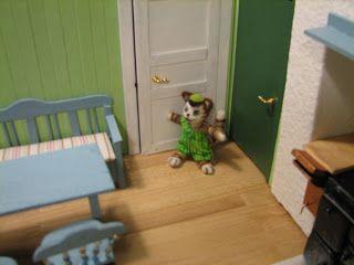 Mine dukkehuse: Første rundvisning i køkkenet hos Findus og Pedder...