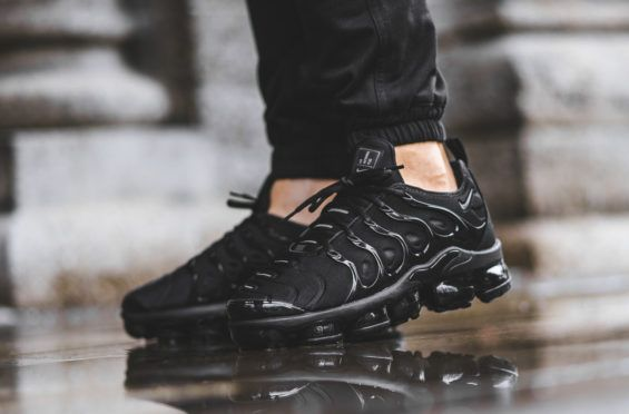 buy popular 959f5 26b22 An On-Feet Look At The Nike Air VaporMax Plus In Cargo Khaki And Triple