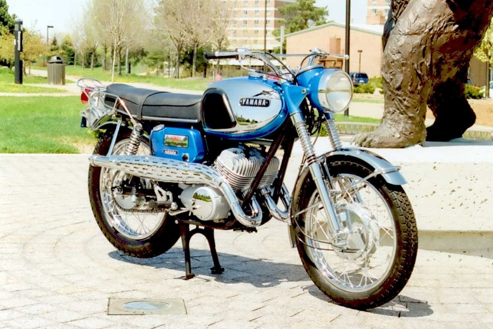pictures of japanese vintage motorcycles