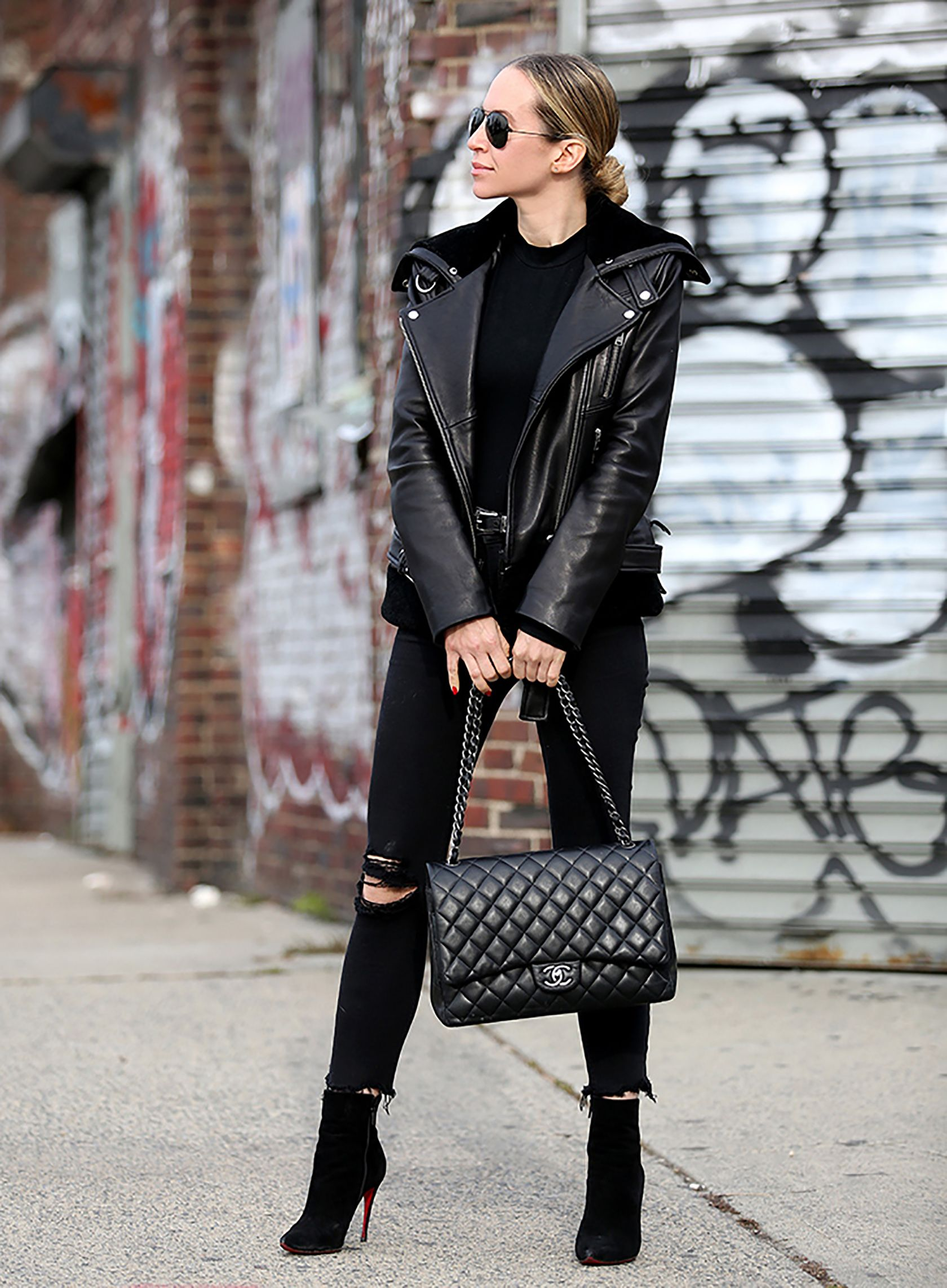 cc2d639c6734 Sydne Style shows all black winter outfit ideas with fashion blogger  brooklyn blonde in black chanel bag #black #winteroutfits #outfits # leatherjacket # ...