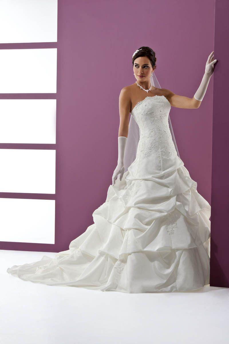 Brautkleid Elsa | unsere Brautmode | Pinterest | Elsa und Brautmode