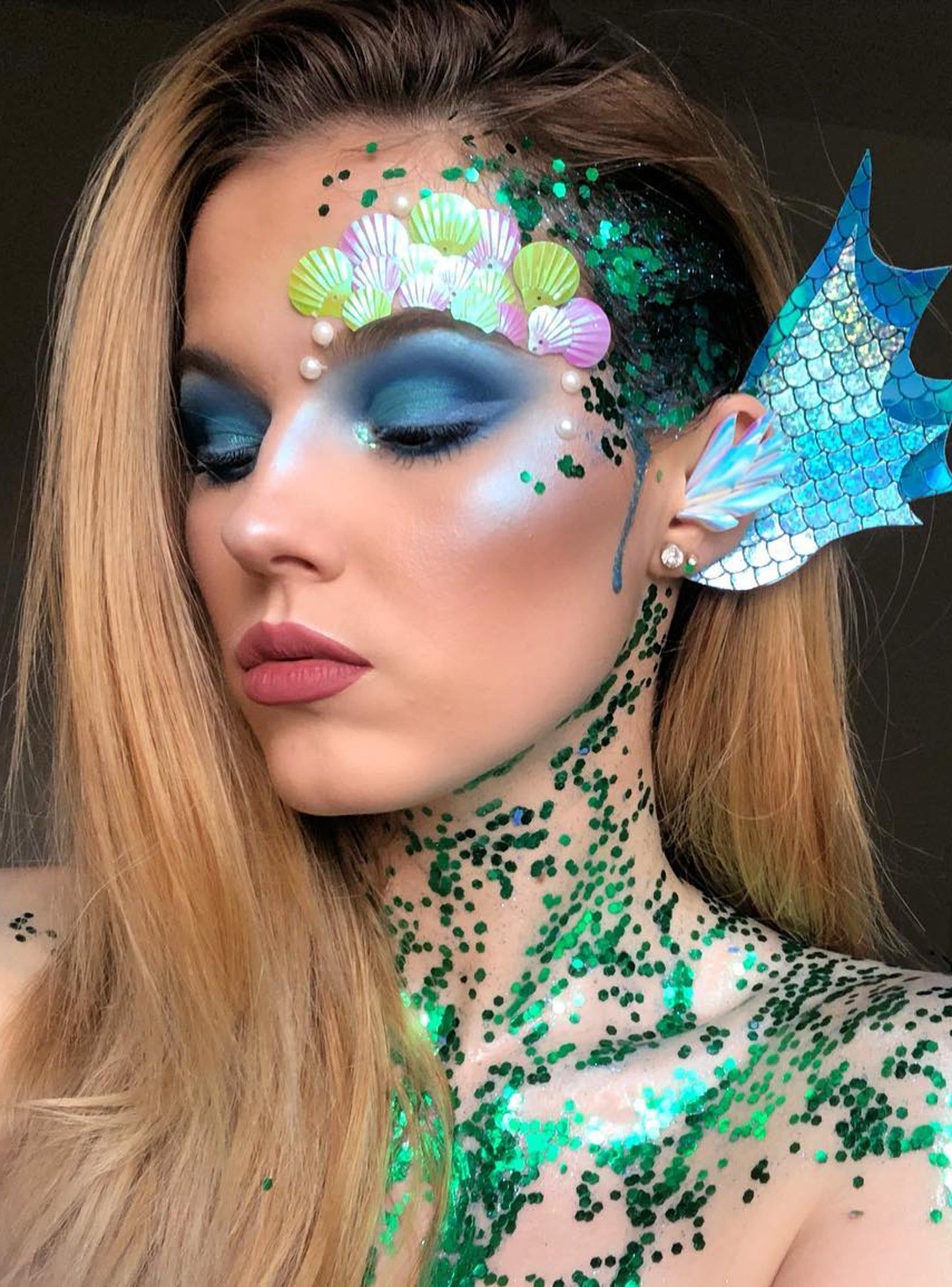 9 Mermaid Makeup Ideas For Halloween That Are Far From