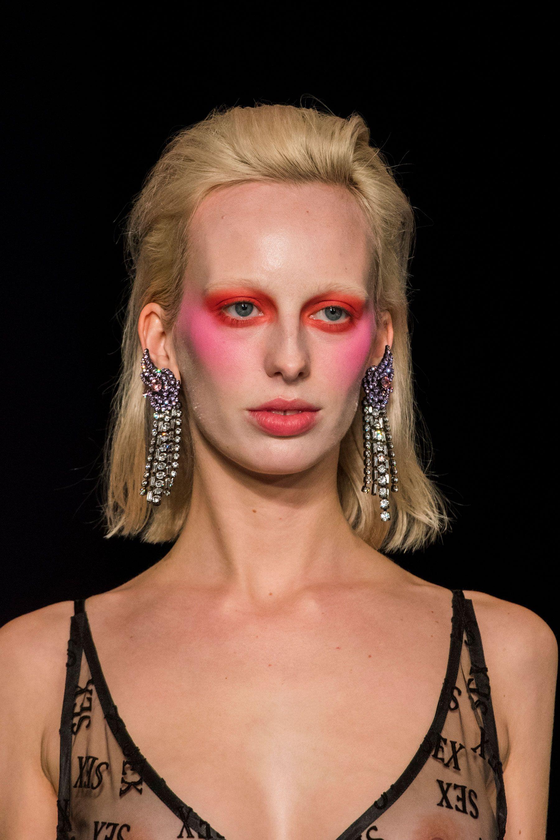 Ashley Williams Fall 2018 Fashion Show Details Autumn