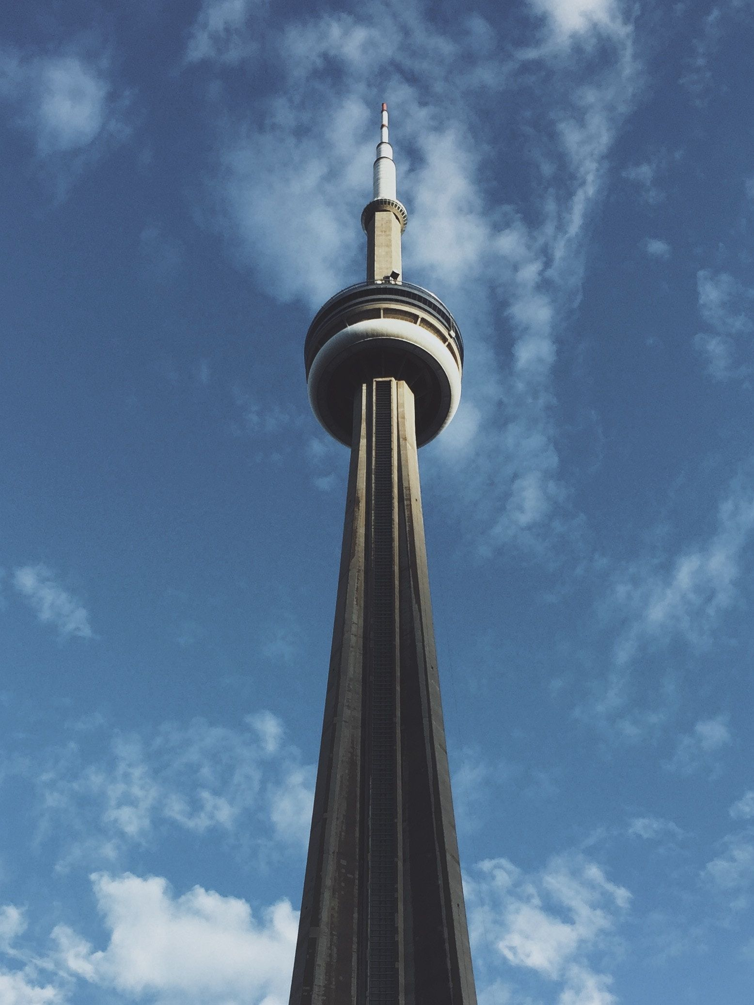 CN Tower, Toronto, Canada DublinToronto from €336 with