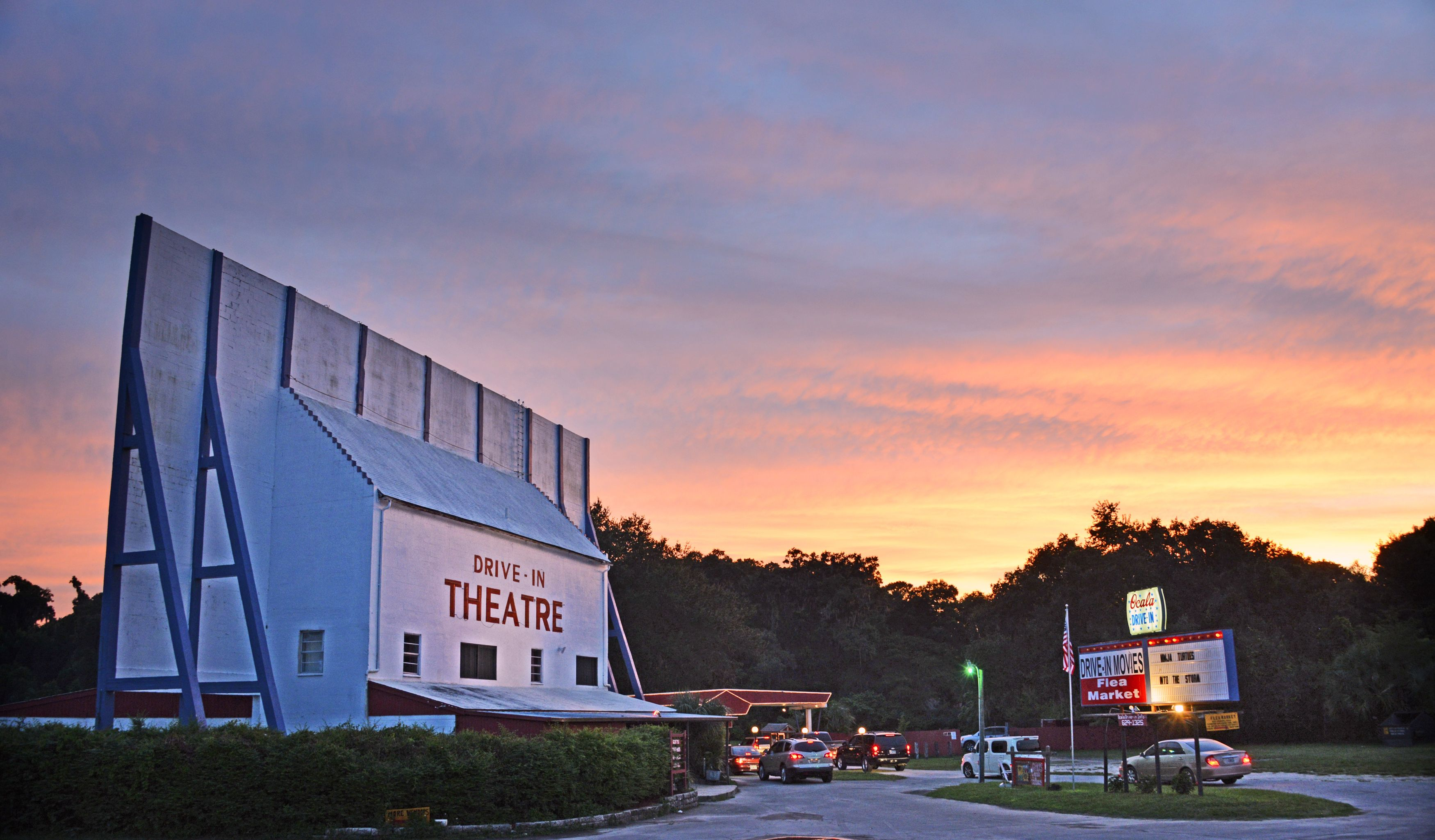 Drivein movie theaters in florida retro and affordable