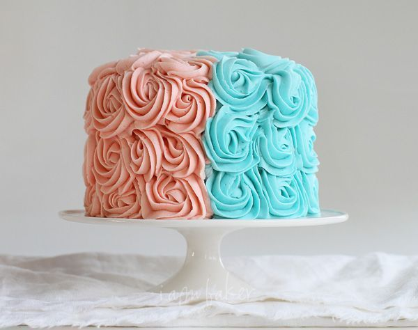 Gender Reveal Rose Cake!
