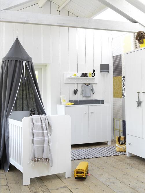 babykamer ideeën - inrichting babykamer jongen met witte meubels, Deco ideeën