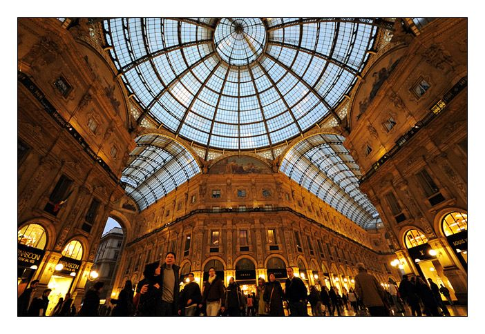 Galleria Vittorio Emanuele II, a famous place for shopping in the center of Milan.      © pbOOg.cOm / Temple of shopping