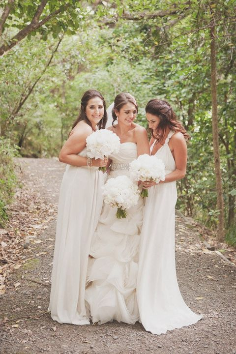 40 Stylish White Bridesmaids' Dresses   HappyWedd.com