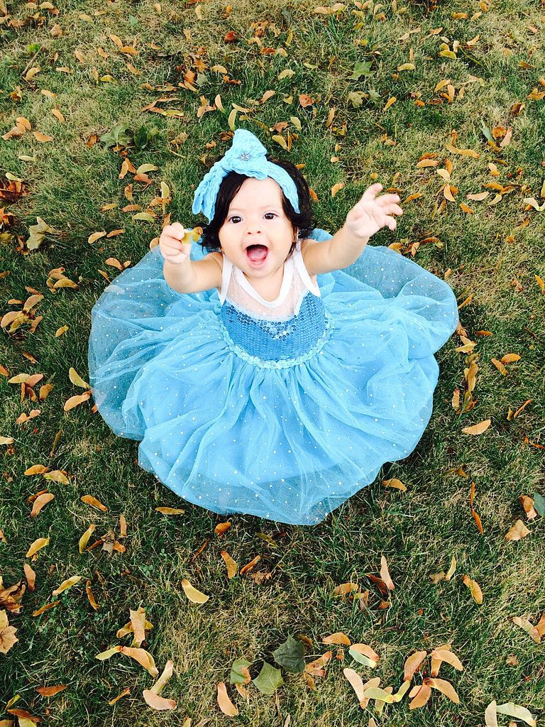 Frozen Elsa! Cinderella costume! We love these Disney halloween ideas . . .