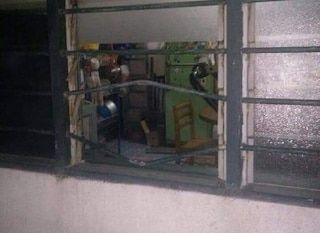 Rumah Dipecah 3 Penyamun Indonesia Suri Dirogol Ketika Suami Sedang Tidur Di Ruang Tamu Seorang